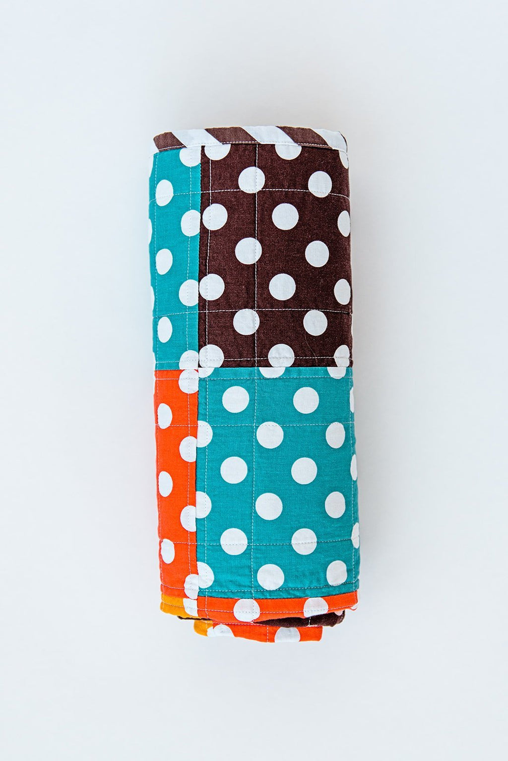 polka-dot-quilt-for-babies-and-toddlers-from-sugar-owl-design