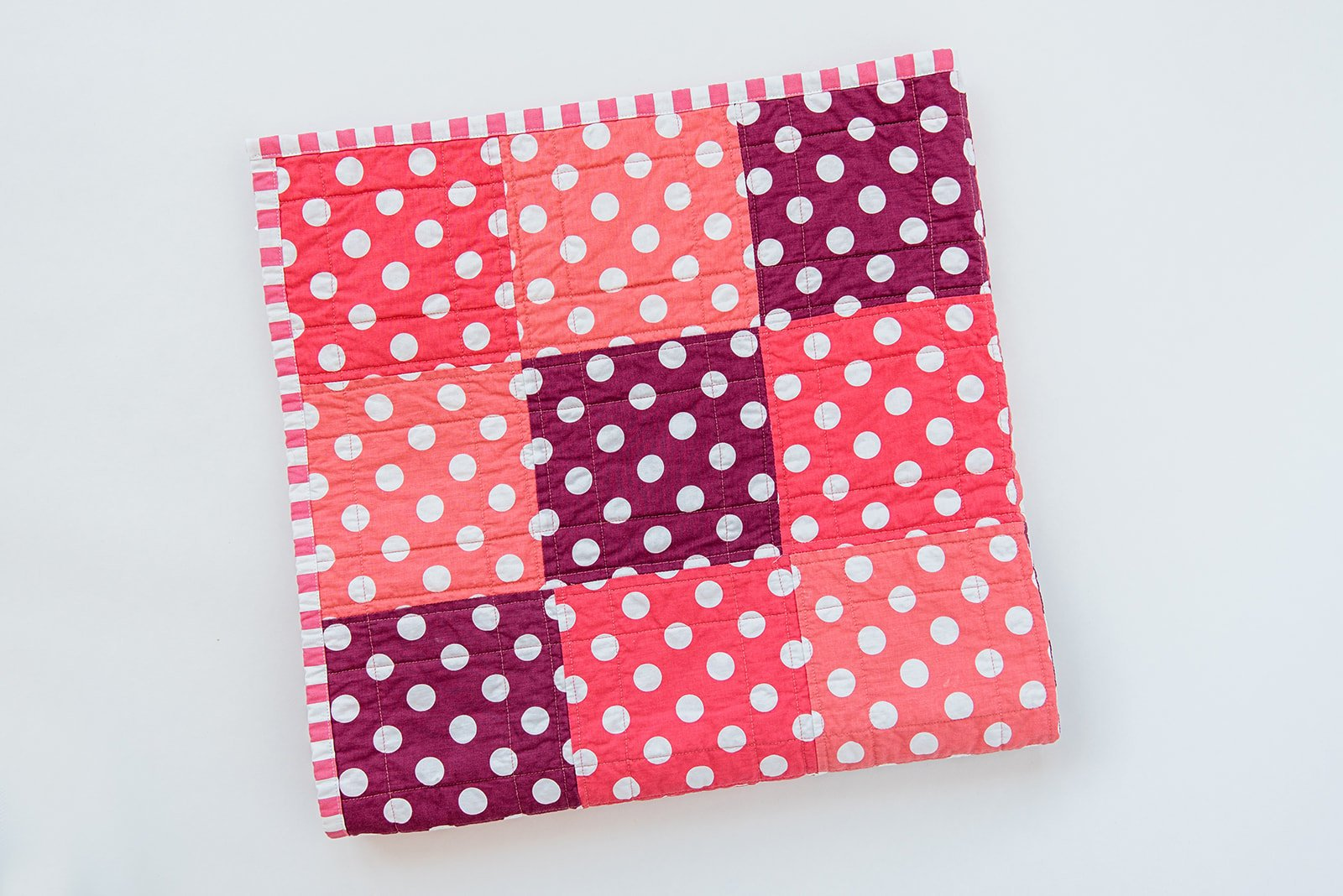 polka-dot-quilt-by-sugar-owl-design
