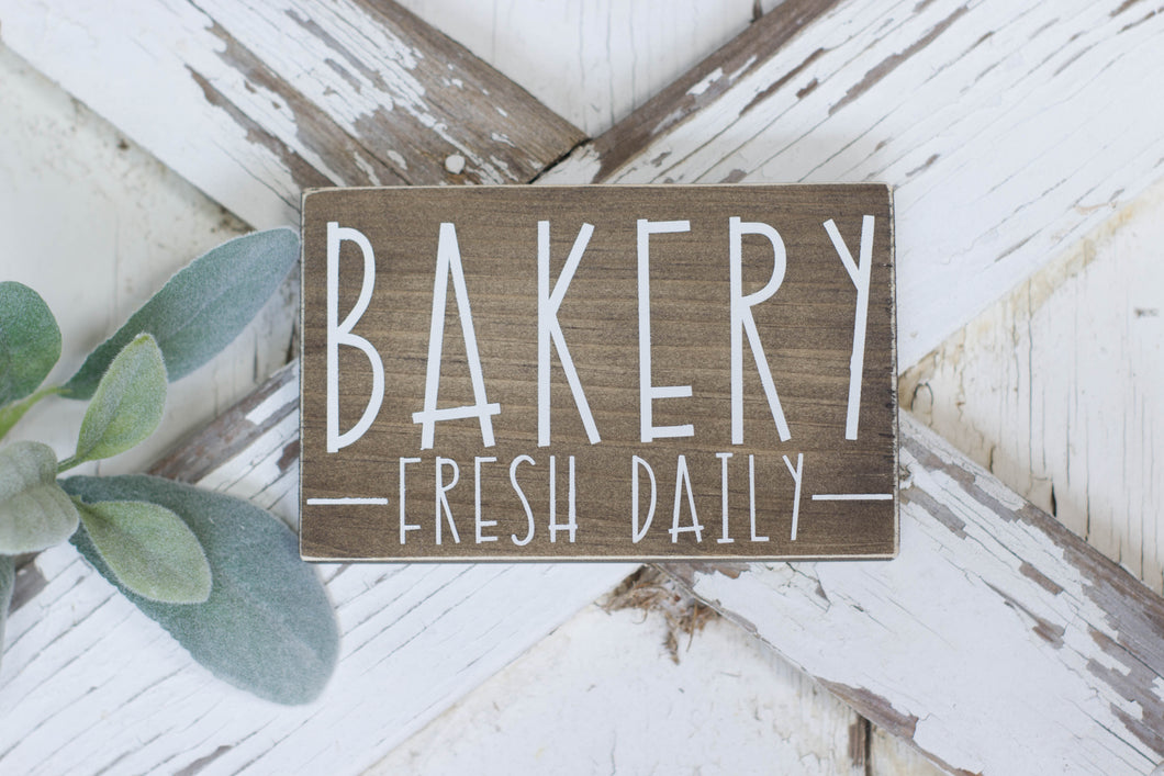 Bakery Fresh Daily Mini Sign, Kitchen Decor, Shelf Sign, Mini Sign, Kitchen, Open Daily, Shelf Decor