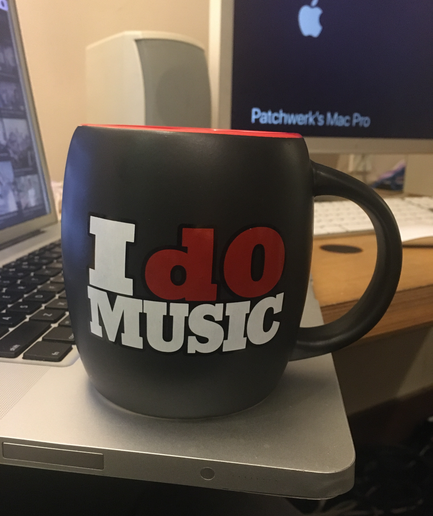 I dO MUSIC Mug (20 0z.) Black & Red