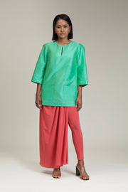 Daun Female Baju