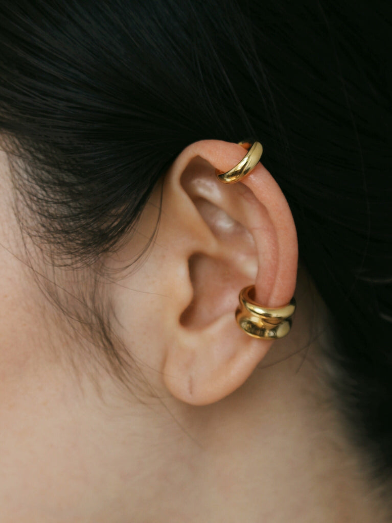 Arc ear cuff in gold
