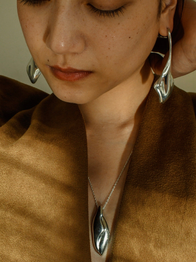 Tsuta earrings gold