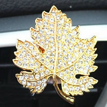 Load image into Gallery viewer, Leaf Design Crystal Car Perfume Air Freshener Clip - esstey