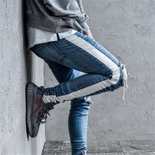 Load image into Gallery viewer, 'Fuji' Ripped Jeans - esstey