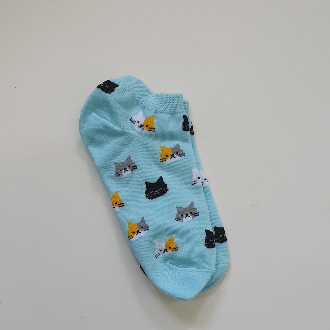 SOCKS - Many Cat Heads Design