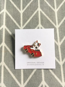 Enamel Cat PINS - 'devoted for perfection ♡'