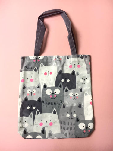 Grey cats tote bag