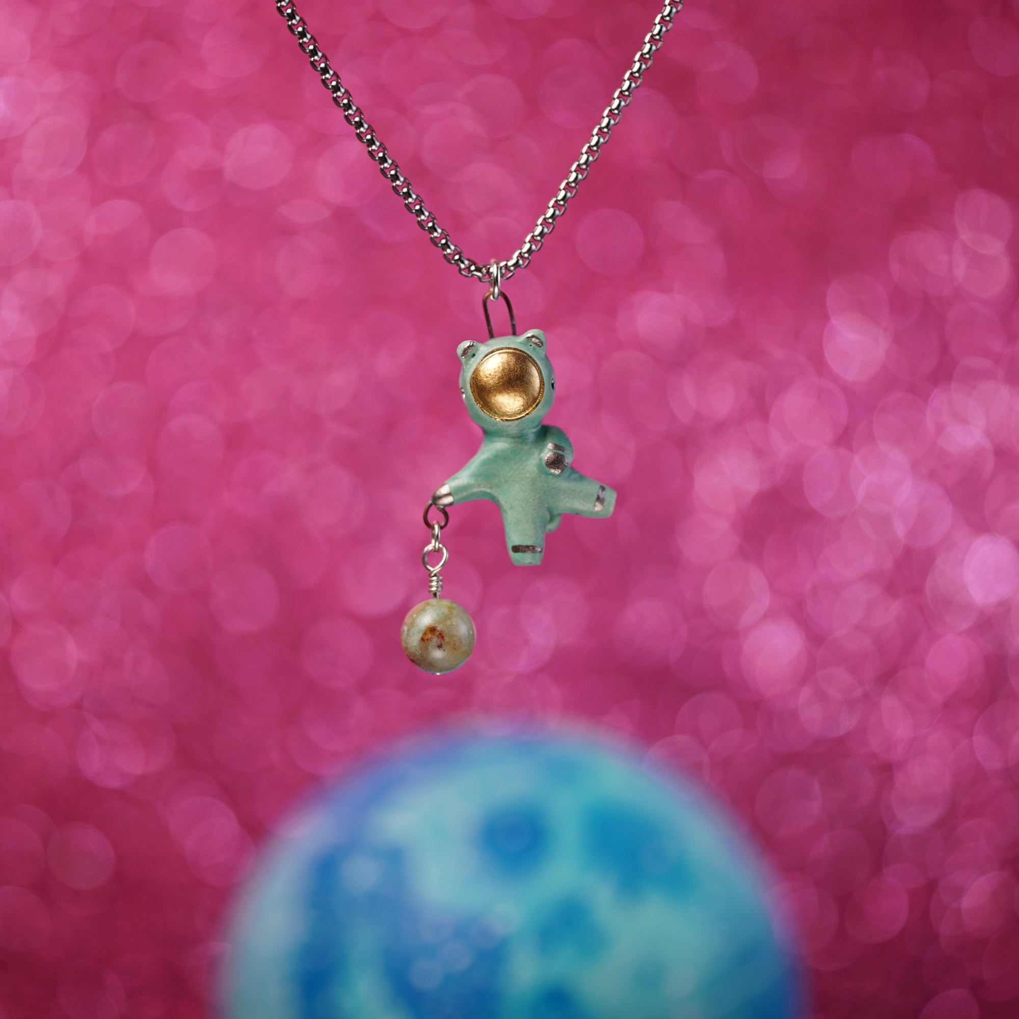 Floating Charm Bearnaut Necklace
