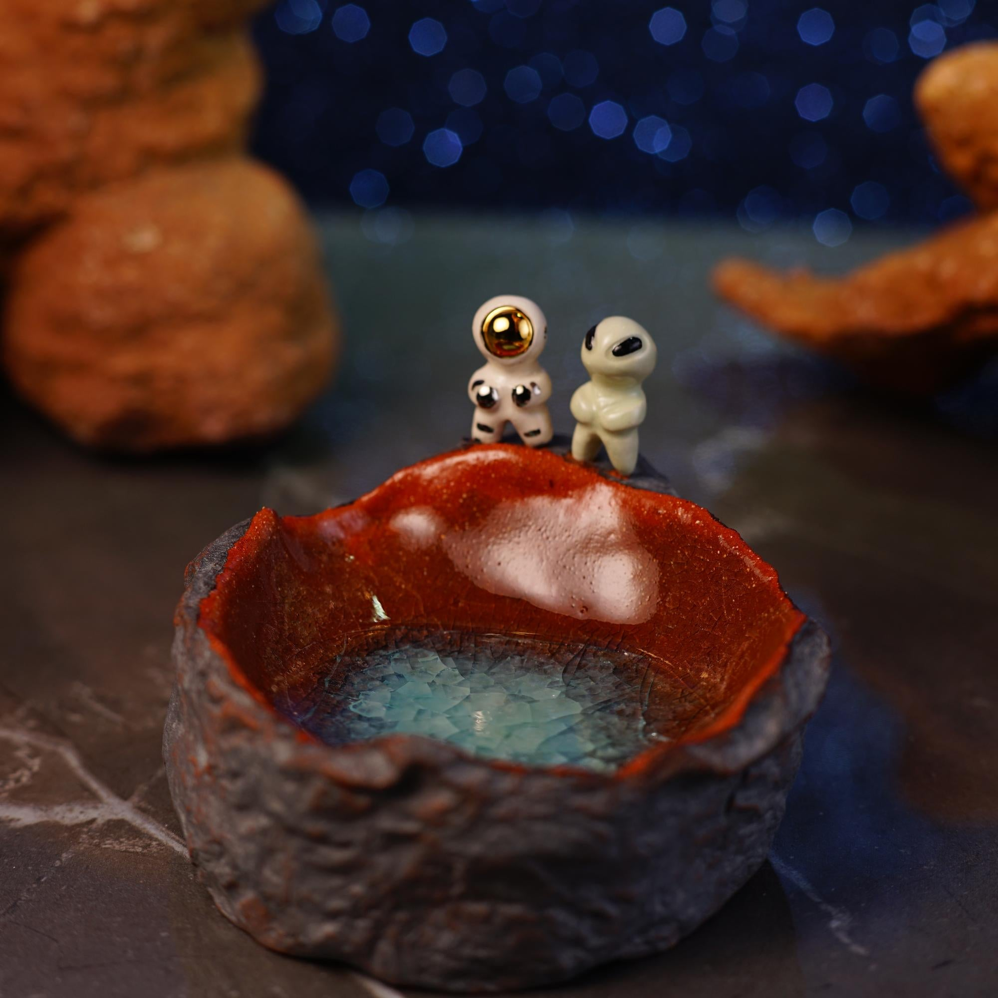 Astronaut and Alien Crater Dish