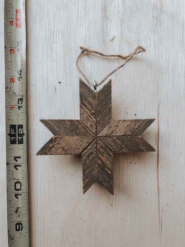 Barnwood Ornament // The Daigle's