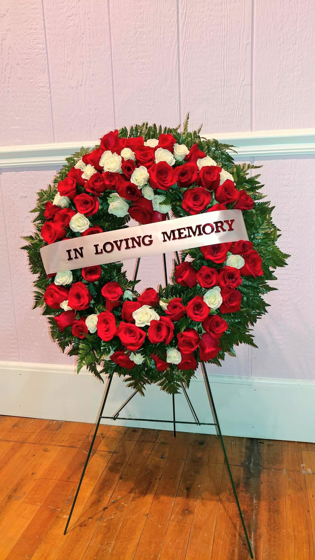 "15"" Sympathy Standing Wreath"