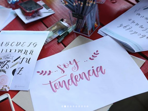 Curso de Lettering por The White Pad para Soy Tendencia en Color Animal