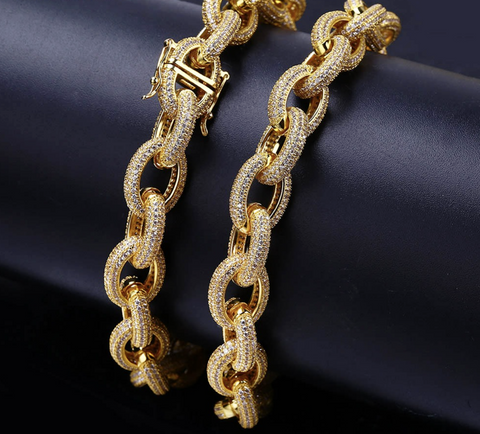 18k Gold Diamond Oval Link Bracelet