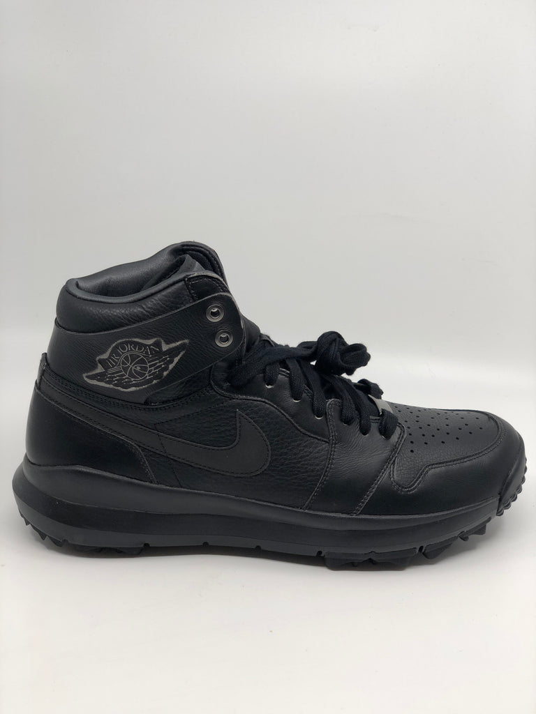 "Air Jordan 1 ""TRIPLE BLACK"" golf shoes"
