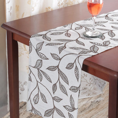 Cream-Coloured & Brown Floral Table Runner - Wooden Home Decor