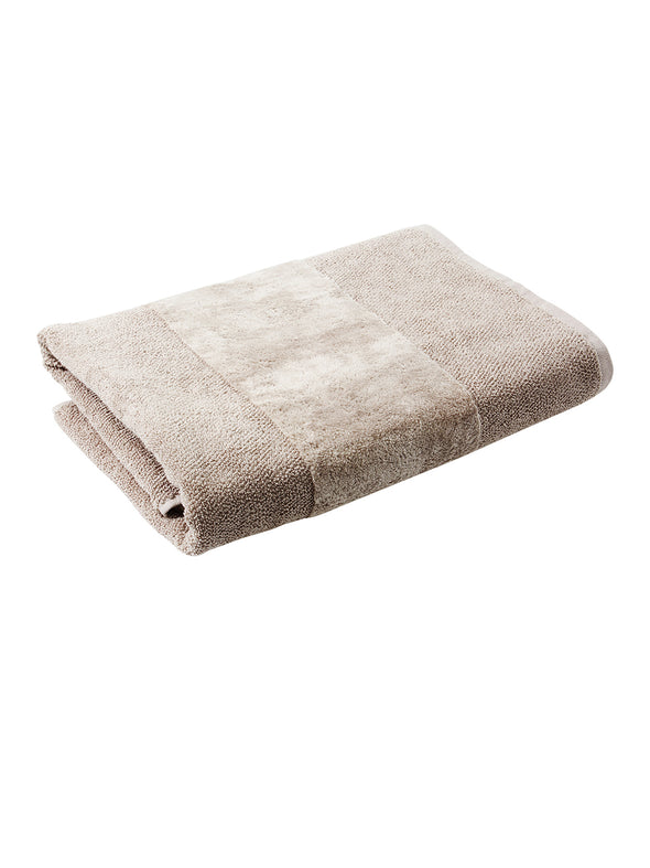 Beige Solid Cotton 555 GSM Bath Towel - Wooden Home Decor