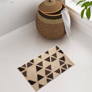Beige & Coffee Brown Triangular Patterned Bath Rug - Wooden Home Decor