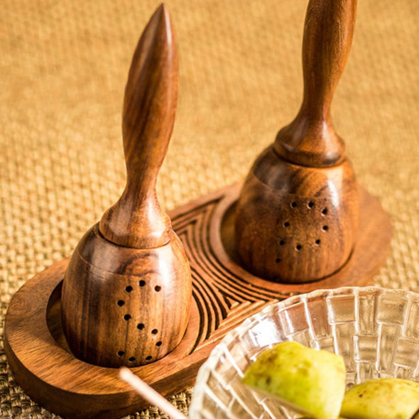 Set Of 2 Brown Hancrafted Wooden Salt & Pepper Shakers - Wooden Home Decor