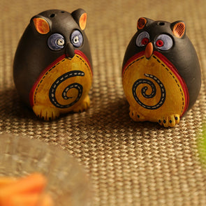 Black & Yellow Hand-Painted Terracotta Salt & Pepper Shaker Set - Wooden Home Decor