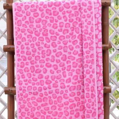 Pink Animal Printed 400 GSM Cotton Bath Towel - Wooden Home Decor