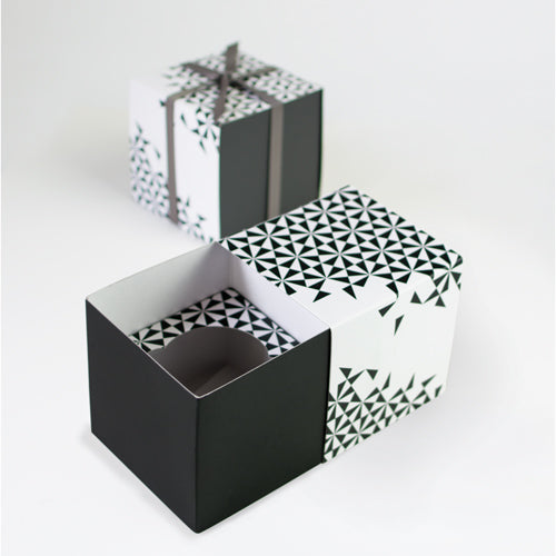 Gift Box with Free Cupcake Insert - Black Geo 6pc