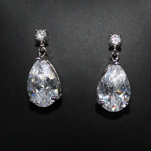 Adore - Earrings - Trestina