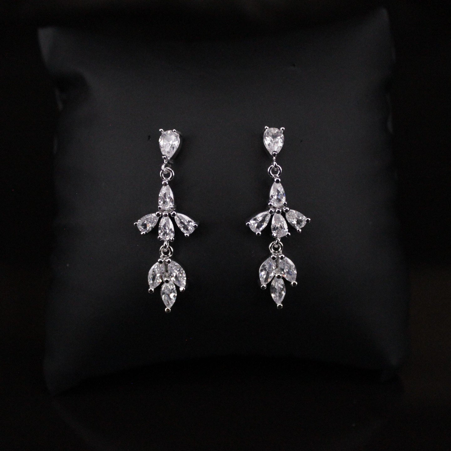 Amanda - Earrings - Trestina