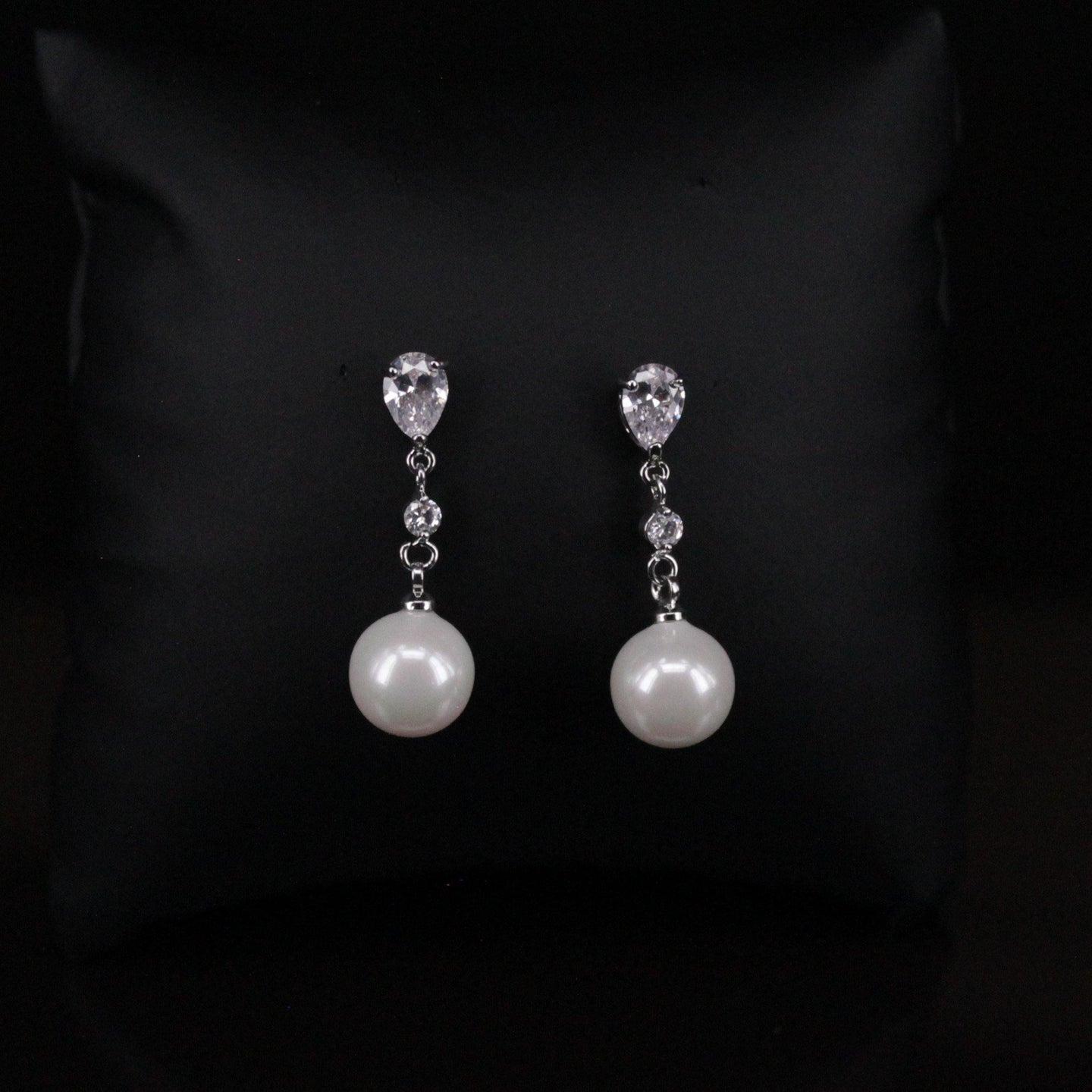 Anissa - Earrings - Trestina