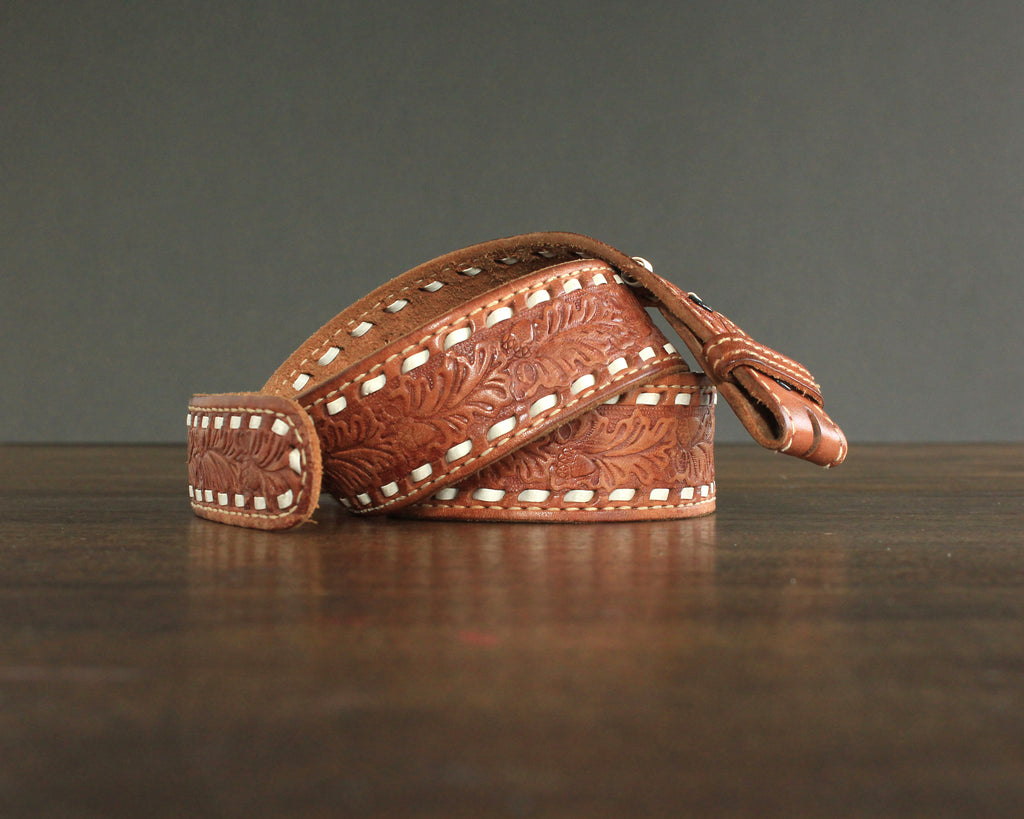 Oak leaf and acorn tooled leather belt size 36
