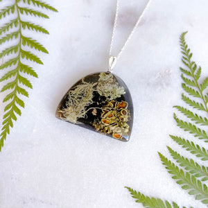 Foraged Lichen Rounded necklace