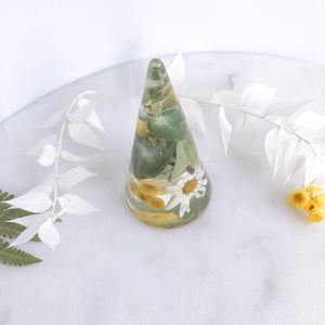 Daisy & Eucalyptus Leaves Ring Cone - Little Hurricane Co