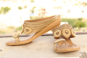 Dhanari Women's Golden With Pearls Design Fashionable Flat Sandals (SAN-027)