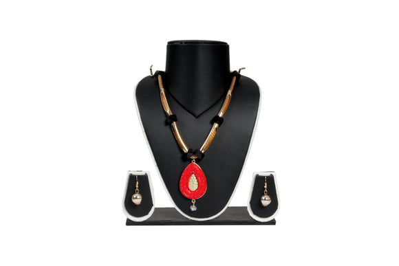 Dhanari Women's Necklace Set With Red Pendant Black Beads(JW-70)Q0014