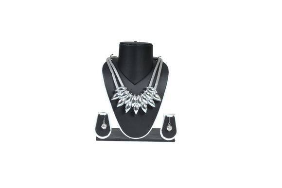 Dhanari Women's Silver Jewellery With Earring (JW-70)Q0024