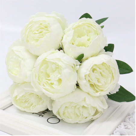 bunch of peony flowers peonies for affordable wedding flowers white