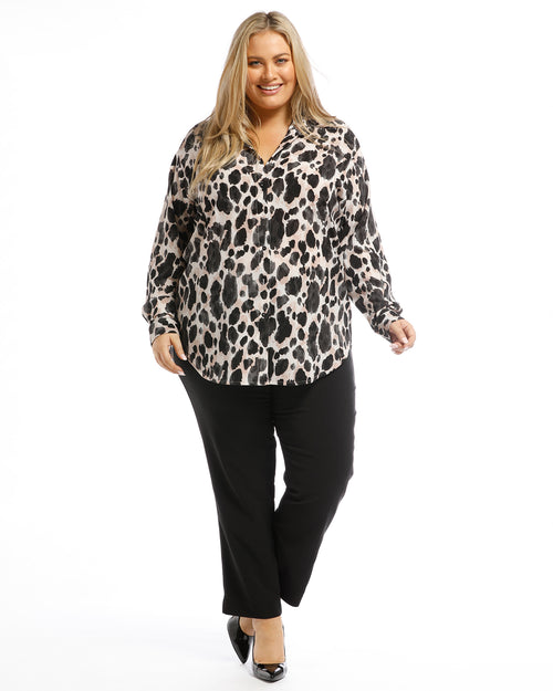 Plus size clothing, plus size top, plus size animal blouse, animal shirt