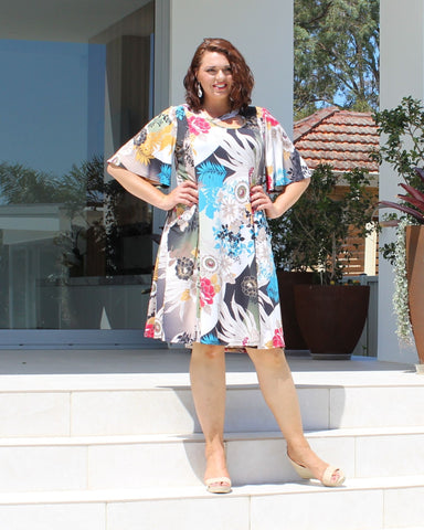 Andie V Neck Dress - Print  -Size 12 -26