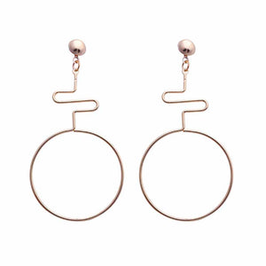 Tierra Curved Twisted Open Circle Drop Earrings - Ferosh