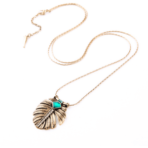 Ferosh Pendant Necklace Leaf Stoned Pendant
