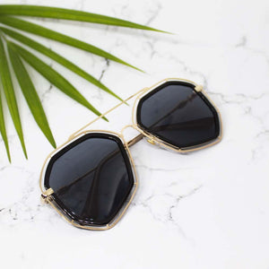 Hot Shot Black-Gold Sunglasses - Ferosh