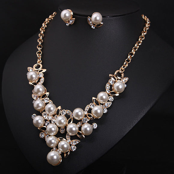 Pearl Diamond Short Clavicle Necklace Earrings Sets