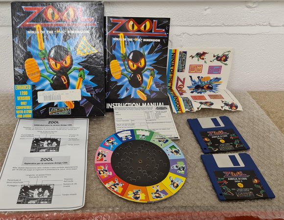 Zool with Stickers and Poster Amiga Game