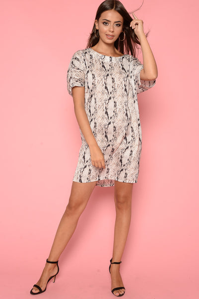 df8e5ee18815 T-Shirt Dress |Cream Oversized Snake Print T-Shirt Dress – HACHU