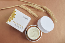 PERFECTOR - DAY CREAM 24-hour moisturizer with sunscreen 15. Intensive facial care.