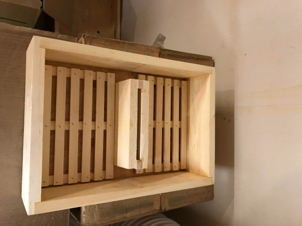 8 Frame - Wooden Hive Top Feeder