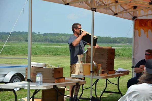 1 - Beginner Beekeeping Course - 2020