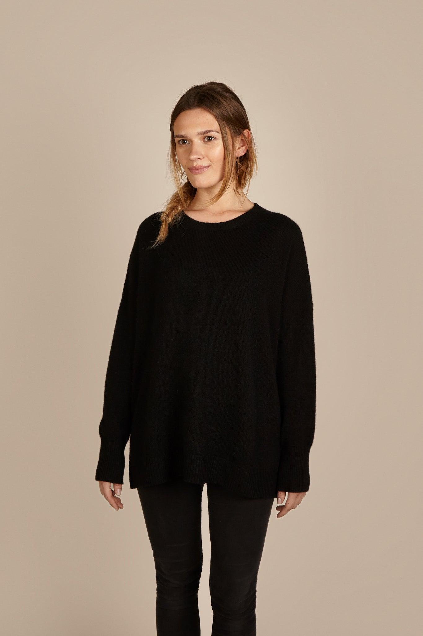 Womens Crew Neck Cashmere Jumper, Sweater in Black