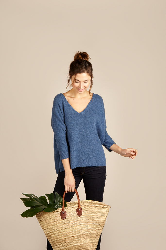 Vanessa Cashmere <em>in blue</em>