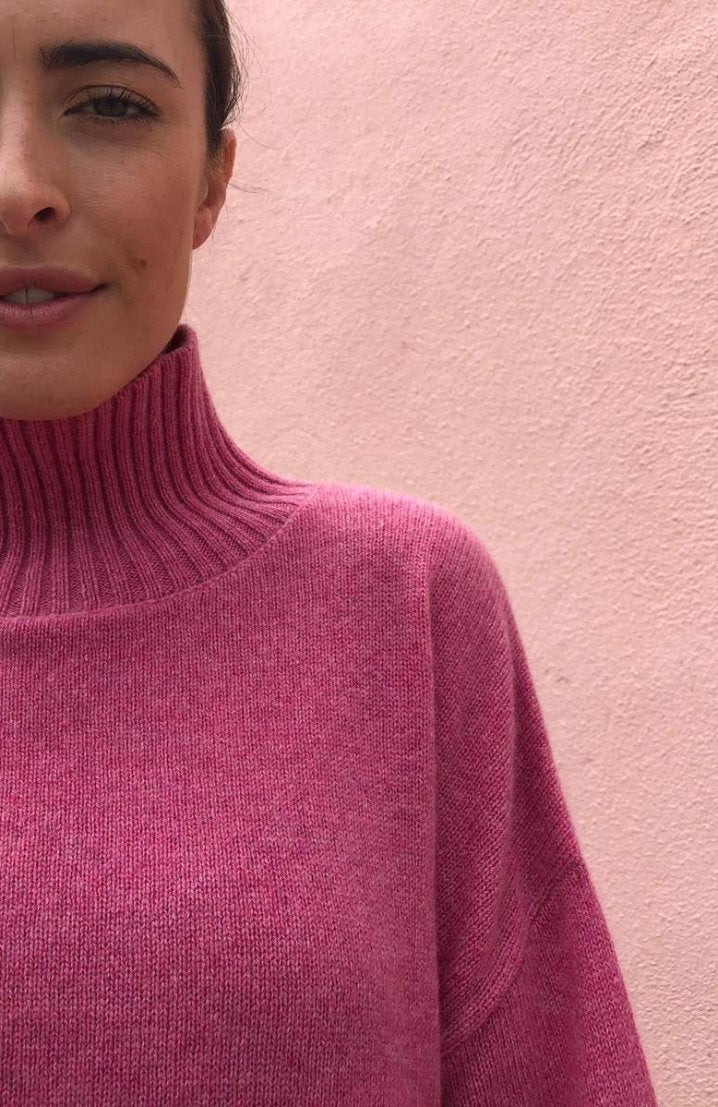 Riley Cashmere <em>in pink</em>